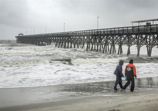 Florence sigue su paso catastrófico por la costa este de EE.UU.