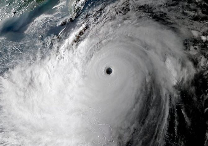 Paso del tifón Mangkhut por Filipinas deja más de medio centenar de muertos