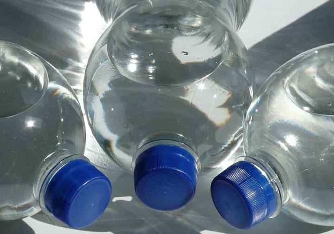 Llenar la misma botella con agua varias veces puede ser perjudicial para tu salud