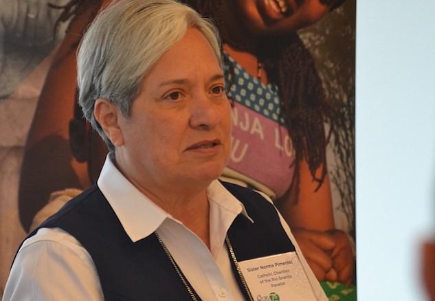 RELIGIOSA. La monja Norma Pimentel dijo que los inmigrantes que cruzan la frontera tienen esperanza de tener una vida mejor.