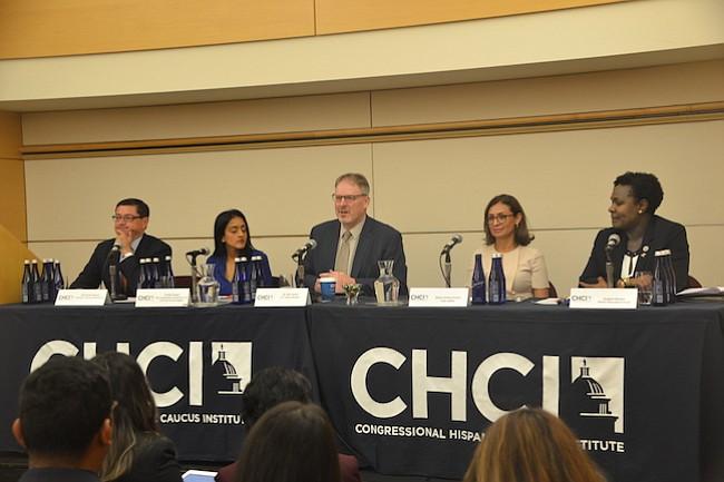 CENSO. La importancia del Censo 2020 fue el tema de una de las charlas. Participaron Ron Jamin del US Census Buerau (centro) y otros panelistas.