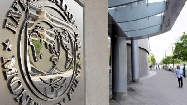 MEDIDAS. El FMI elevó hasta 4% su previsión de la economía chilena para 2018, ajustándose a las proyecciones del mercado.