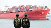 Represalia China. A la acusación de interferencia electoral se sumó al anuncio de que Estados Unidos impondrá nuevos aranceles a las importaciones desde China por 200 mil millones de dólares y Beijing respondió con 60 mil millones de dólares anuales.
