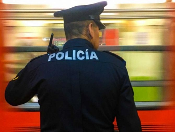 MÉXICO. Impiden que una mujer arroje a bebé a las vías del Metro