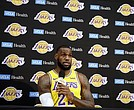 LeBron James en su primera aparición pública con Los Angeles Lakers.