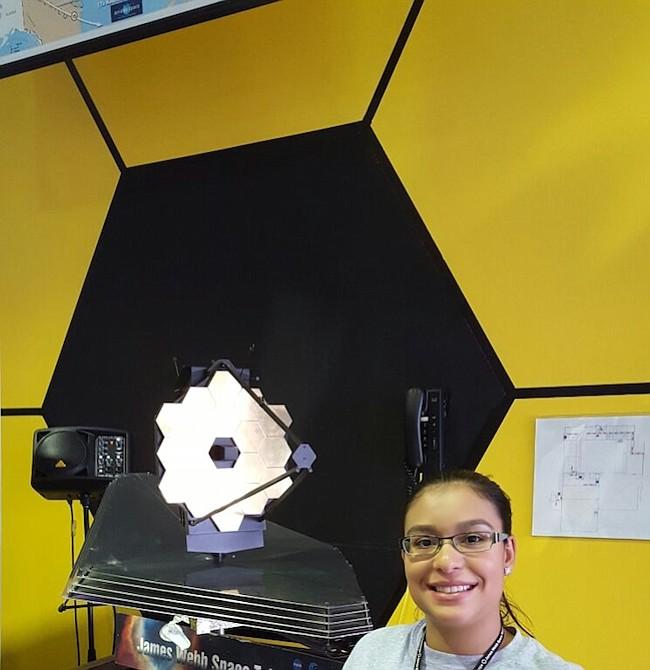 Misión. Scarlin Hernández, a sus 26 años, es parte del equipo que trabaja para el lanzamiento de la nave especial que irá en busca de planetas y de las primeras estrellas del universo.