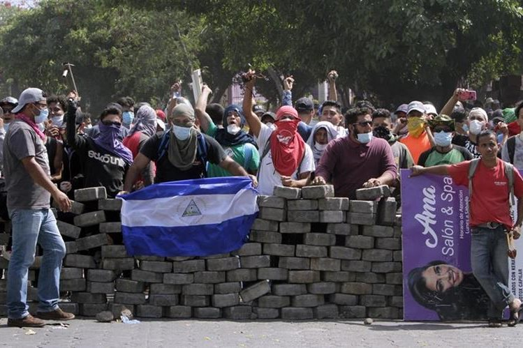 REACCIÓN. Las protestas contra el presidente de Nicaragua han causado un centenar de muertes.