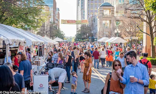 POPULAR. El próximo 6 de octubre Sabores de Otoño atraerá miles de personas a Reston Town Center. Se esperan más de 30 mil asistentes al evento gratuito.