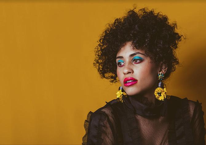Joven artista colombiana en Nueva York lanza campaña para su nuevo disco