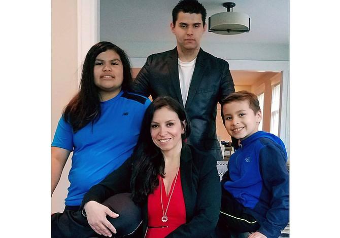 Maribel Rueda, 15 años luchando por los genios autistas del mundo, desde Boston