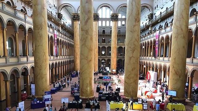 Feria. Vista panorámica de los expositores y emprendedores en WEDC Fest 2018, en las instalaciones del National Museum Building.