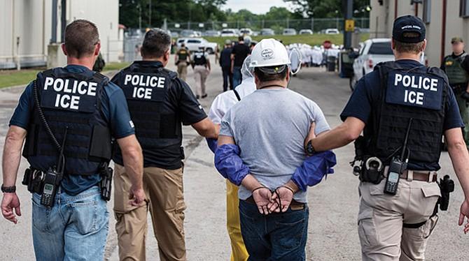USCIS pondrá a miles en proceso de deportación