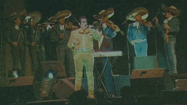 SHOW. Los aplausos y gritos de sus seguidores no faltaron para Vicente Fernández en su primera presentación en El Salvador