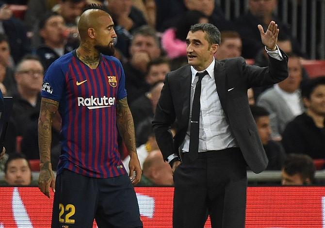 Arturo Vidal expresó su disgusto por ser suplente en el Barcelona