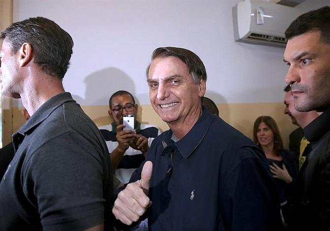 Jair Bolsonaro lidera las votaciones en Brasil