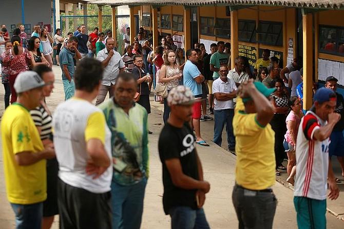 ELECCIONES. Los colegios electorales de Brasil abrieron hoy sus puertas para la celebración de los comicios presidenciales, legislativos y regionales