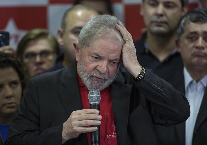 Lula da silva cumple seis meses en prisión mientras Brasil decide quién será el próximo presidente