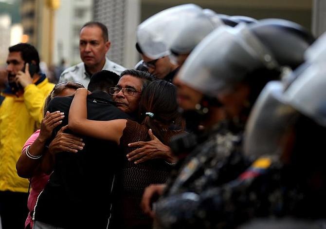 Oposición venezolana denuncia asesinato de concejal detenido