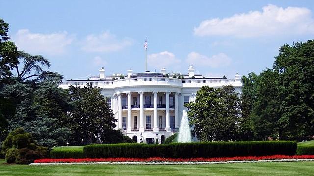 INMIGRACIÓN. Inmigrantes beneficiados por el TPS aseguran que la acción emprendida por los funcionarios del Departamento de Seguridad Nacional estuvo influenciada por la Casa Blanca.