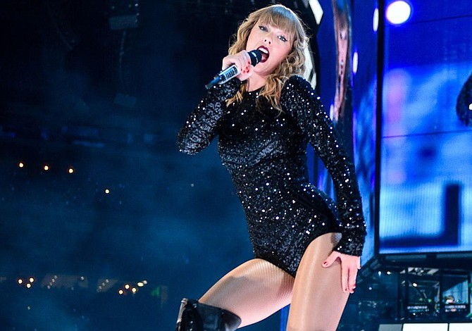 Taylor Swift reinó en los American Music Awards