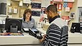 El pago por el costo del pasaporte se puede hacer solo a través de cheque personal o 'money orders'.