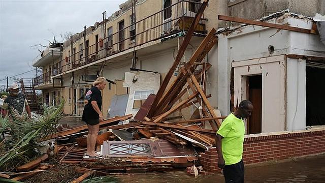 FLORIDA. Vista de un edificio colapsado el miércoles 10 de octubre de 2018 tras la llegada del huracán Michael, en Panama City
