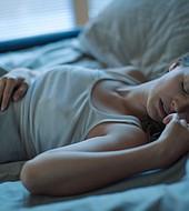 Dormir poco o su acción opuesta, causan problemas en la salud cognitiva del ser humano.