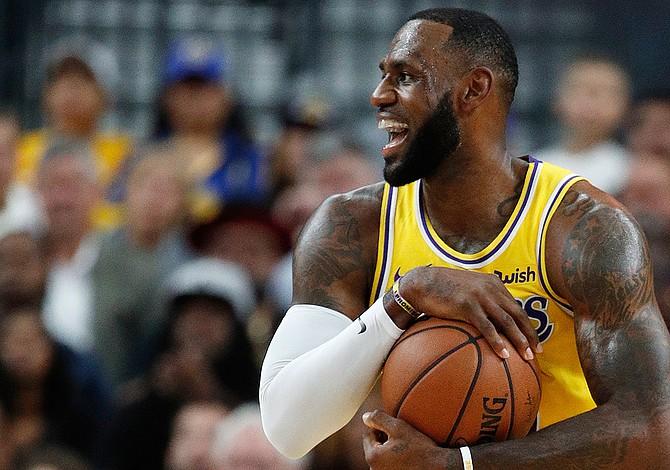 Los Lakers de LeBron vencieron a los Warriors