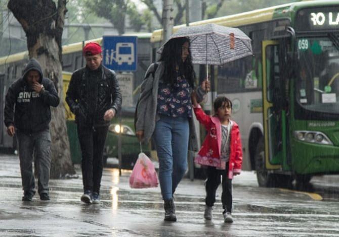 Activan alerta amarilla en CDMX por lluvias