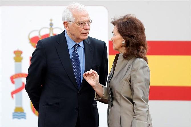DIPLOMACIA. La vicepresidenta del Gobierno español, Carmen Calvo, junto con el ministro de Exteriores Josep Borrell