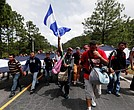 La caravana de migrantes salió de Honduras con destino a Estados Unidos.