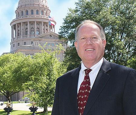 Mark Tippetts. Con el apoyo del Partido Libertario, espera vencer al actual gobernador Republicano Greg Abbott y a la candidata Demócrata y ex Sheriff de Dallas, Lupe Valdez, el próximo martes 6 de noviembre.