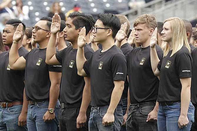 Ejército despidió a más de quinientos reclutas