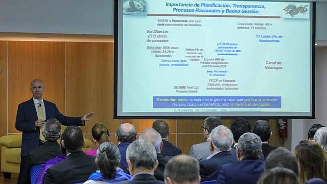 EL SALVADOR. tercer foro organizado por la Fundación Salvadoreña para el Desarrollo Económico y Social (Fusades) sobre las zonas económicas especiales y la concesión del puerto de La Unión