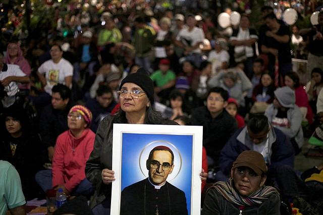 El obispo, ejemplo de cristiandad y visión social, fue asesinado el 24 de marzo de 1980 mientras oficiaba misa en San Salvador.