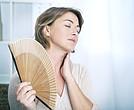 Existe una etapa previa a la menopausia, conocida como transición menopaúsica, cuando comienzan los síntomas años atrás de presentarse de manera definitiva.