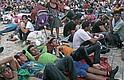 CARAVANA. Migrantes hondureños descansan el lunes 22 de octubre de 2018 en la población de Huxtla, en el estado de Chiapas, México