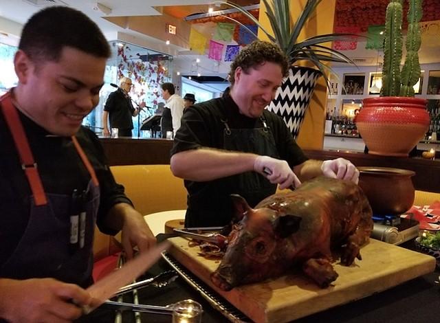 DC: Restaurante rinde homenaje a Chespirito por el Día de los Muertos