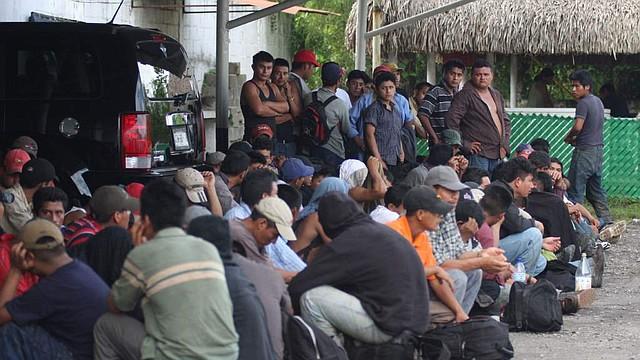 """INMIGRACIÓN. """"El presidente de Honduras me dijo que la caravana fue organizada por grupos de izquierda hondureños, financiada por Venezuela y enviada al norte para desafiar nuestra soberanía y nuestra frontera""""."""