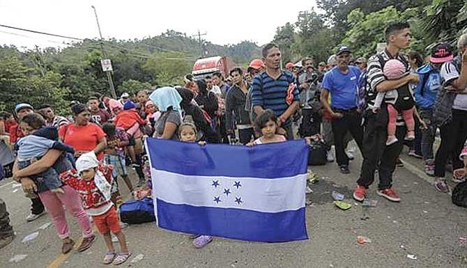 DHS asegura que hay criminales peligrosos en caravana hondureña