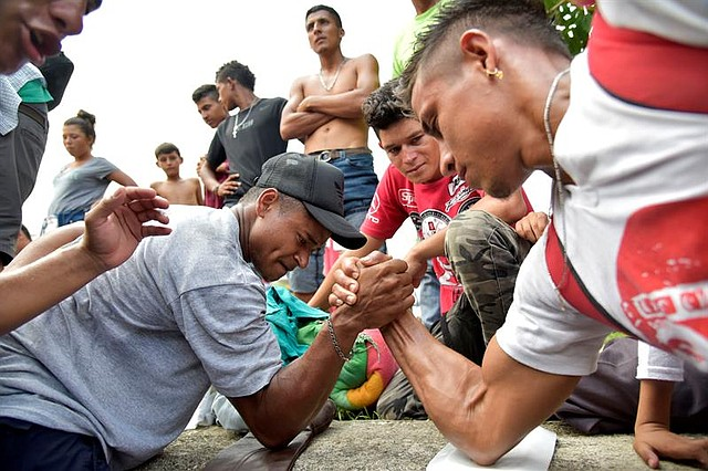 SUPERACIÓN. Al menos siete mil hondureños han atravesado obstáculos para poder llegar a Estados Unidos.