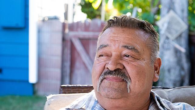 Jose Nuñez, camionero de Los Ángeles, buscó ayuda en su plan de Medicaid, una unidad de Centene en California, la aseguradora de Medicaid más grande a nivel nacional, luego que desarrollara una infección en su ojo derecho a causa de la diabetes. No obtuvo la ayuda con la rapidez que la necesitaba.