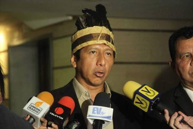 Diputado opositor venezolano: El ELN está entrenando a los indígenas de Amazonas