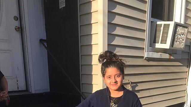 Jenifer Lemus González, una estudiante de séptimo grado de la Academia Mario Umana K-8 en East Boston, fue premiada con una bicicleta por su asistencia perfecta durante la escuela de verano.