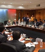 MÉXICO.  En la reunión en San Lázaro se confirmó que Porfirio Muñoz Ledo será el encargado de colocar la banda presidencial a López Obrador