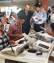 EL SALVADOR - Transmitir resultados costará $2 millones más en esta elección