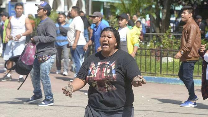 EL SALVADOR. Al menos diez personas han sido trasladadas por la Cruz Roja a diferentes centros asistenciales