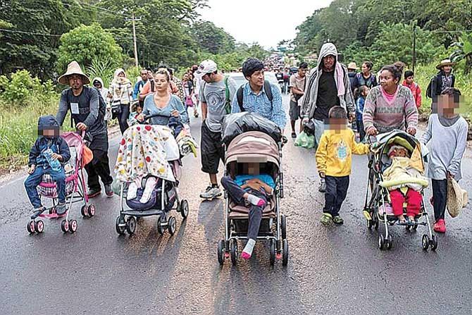 Más de dos mil niños viajarían en la caravana migrante