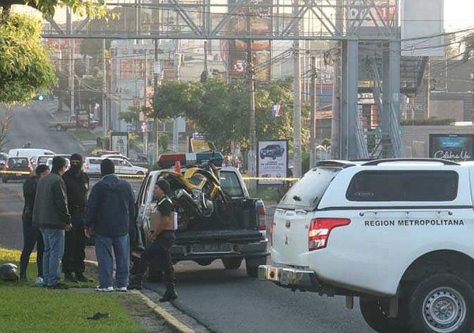 Estudiante de la UES muere en accidente de tránsito cuando regresaba de un concierto en El Salvador