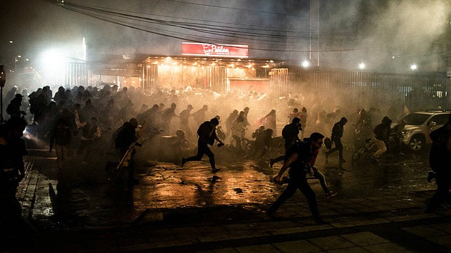 COLOMBIA - La marcha inició de forma pacífica. Sin embargo, los actos violentos por parte de estudiantes, Esmad y Policía Antidisturbios no se hicieron esperar. Esta es la historia.